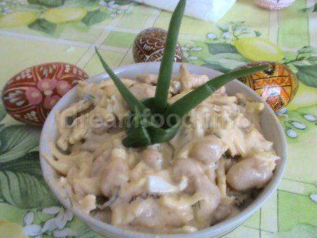 Салат фасолевий з сиром