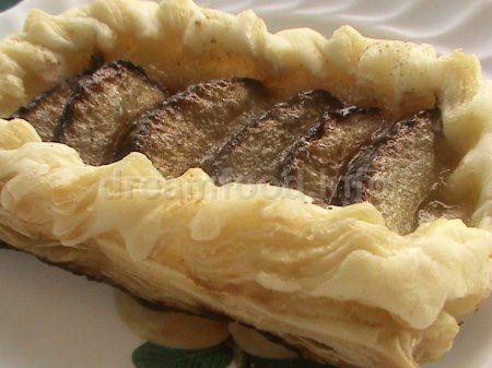 Воздушные сливовые пирожные