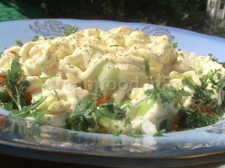 Салат с рисом и помидорами