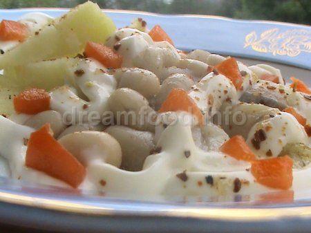 Салат з квасолі з оселедцем