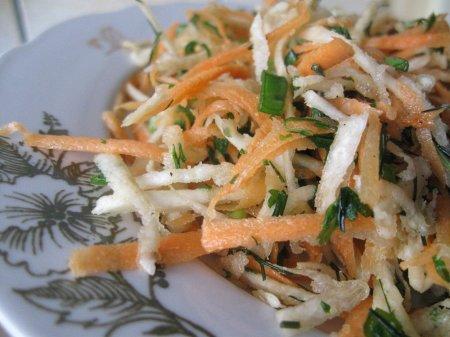 Салат из моркови и сельдерея (постный рецепт)