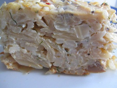 Капустная запеканка с рисом и грибами