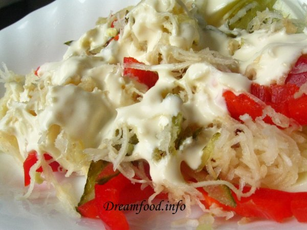 Салат из перца и сельдерея