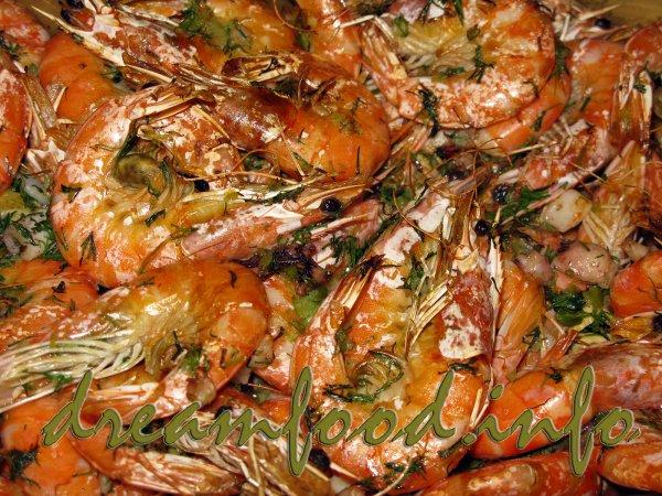 Ароматные креветки запеченные в чесночном масле