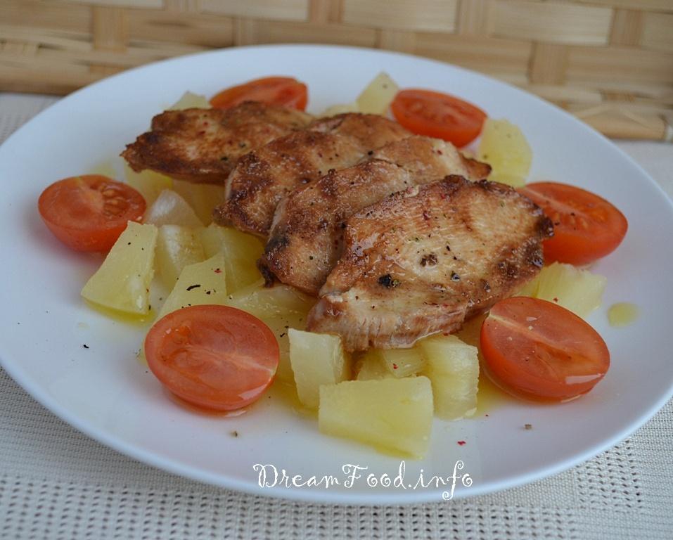 рецепт салата с ананасами слоеный с грудкой