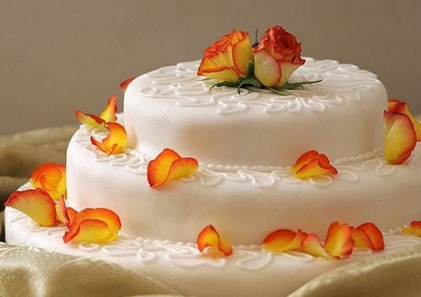 торт для свадьбы с цветами