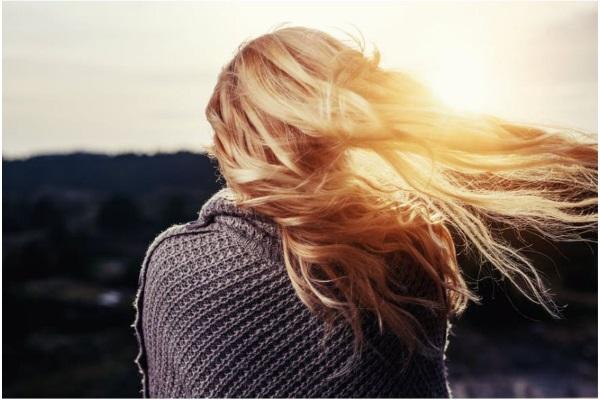 женские волосы вид сзади